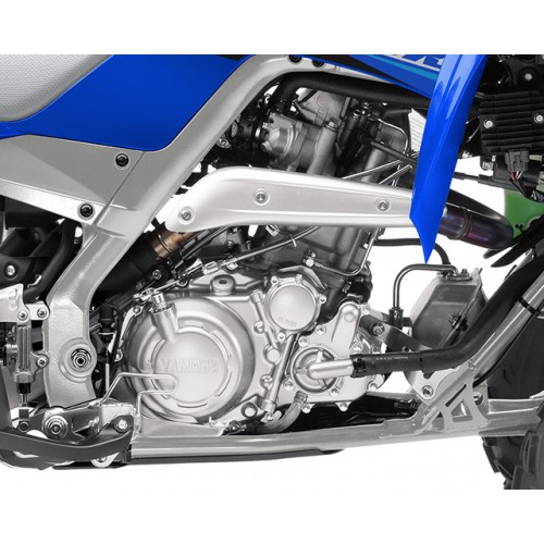 High-tech race-bred 686cc fuel-injected engine